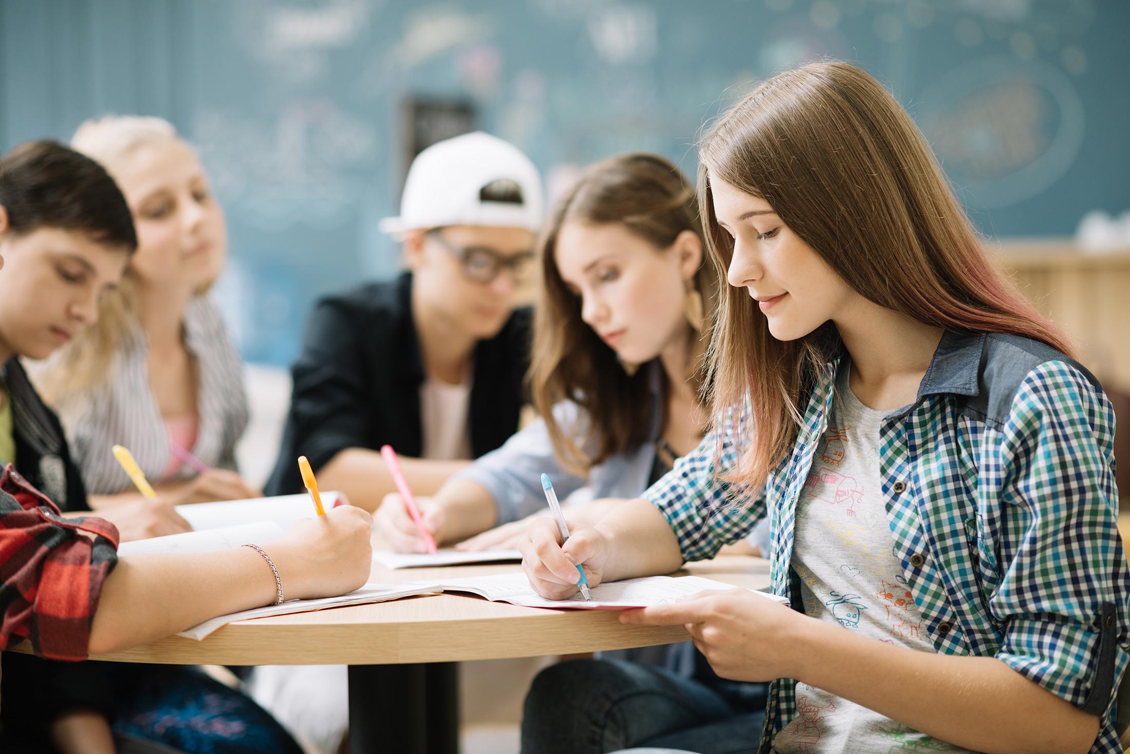 Studium v UK Work and Study UK